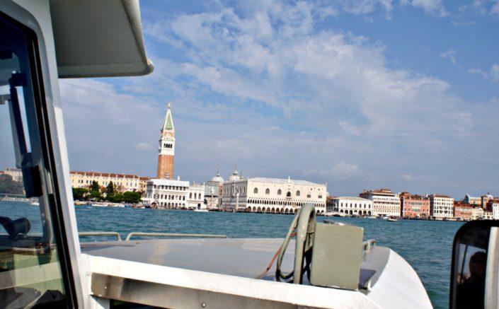 Wasserbus vor San Marco